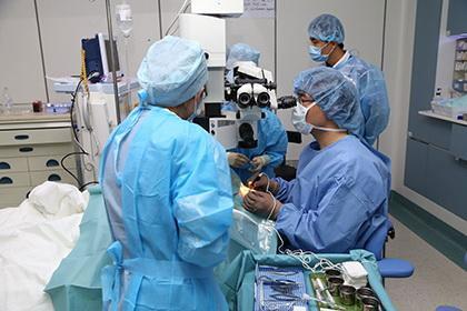 飞秒激光治疗近视
